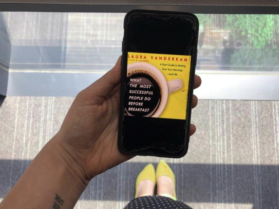 """Kitap Önerisi : Sabah Rutini Oluşturmak için İlham Veren """"What Successful People Do Before Breakfast"""""""