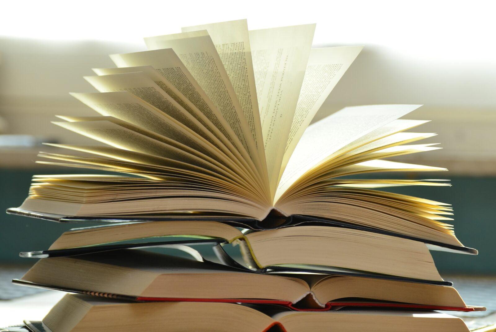 En Sevdiğim & Hayata Bakışımı Değiştiren Top 7 Kitap Önerileri Listem